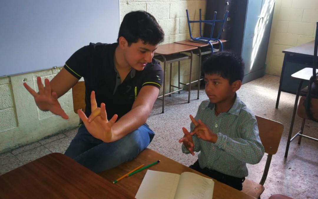 Estudiantes de la UVG nos comparten su experiencia en el Uno con Uno
